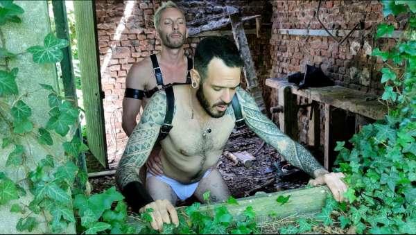 Nils rejoint Tex en forêt pour une baise au jus